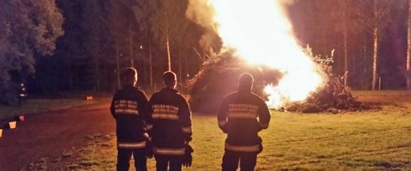 brandwache-sonnwendfeuer-600x250-crop-53-30.jpg